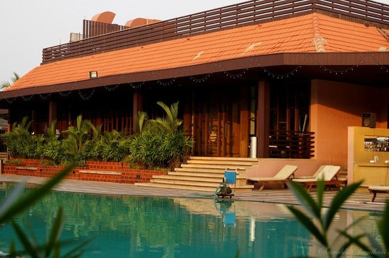 The Golden Crown Hotel & Spa Colva: View of restaurant & lobby from my room