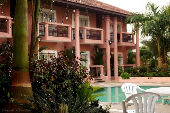 The Golden Crown Hotel & Spa Colva: Garden & pool view of the room