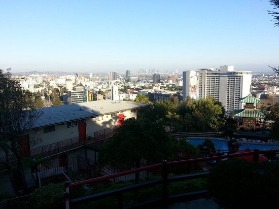 Hollywood Hills Hotel: Utsikten från restaurangen Yamashiro