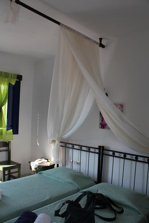 Agnandi Villa Apartments : Inside our room