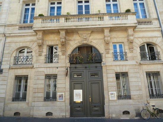 L 39 hotel partuclier courtyard foto van l 39 hotel particulier bordeaux - Direct location bordeaux ...