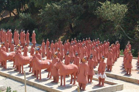 Buddha Eden Garden: Formação de Terracota