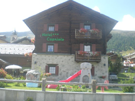 Hotel Capriolo: vista anteriore