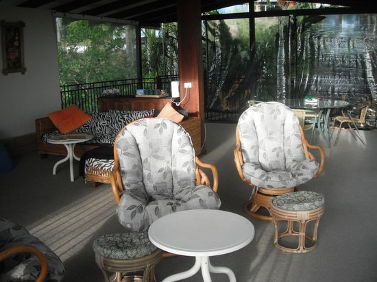 Coral Sea Retreat Bed and Breakfast: Our viewing seats