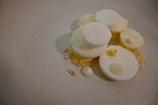 Olo  Ravintola : White & Round dessert is made up of lemon sherbet, meringue & marshmallow