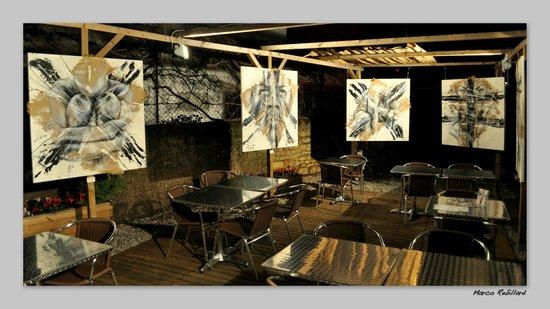 Eleven Bar Restaurant: exposition