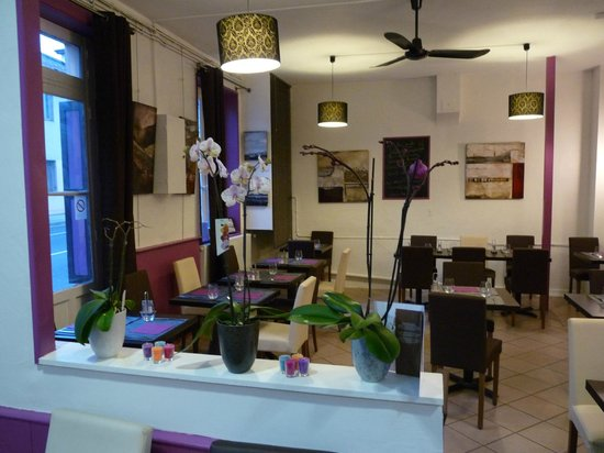 Eleven Bar Restaurant: grande salle