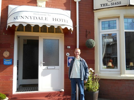 Sunnydale Hotel Blackpool: Paul on a lovel sunny morning outside the hotel August 2013