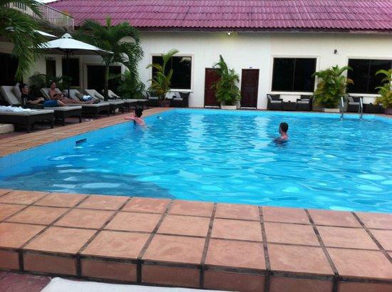 Beach Club Resort: Refreshing