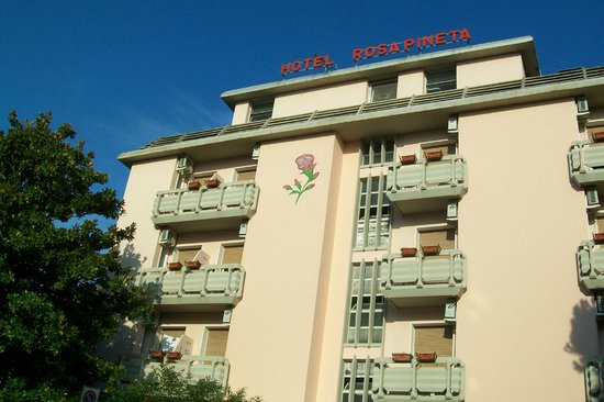 Hotel Rosapineta: facciata dell'albergo
