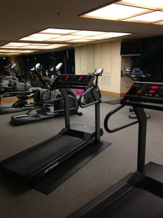 Grand Millennium Auckland: Treadmills - Gym