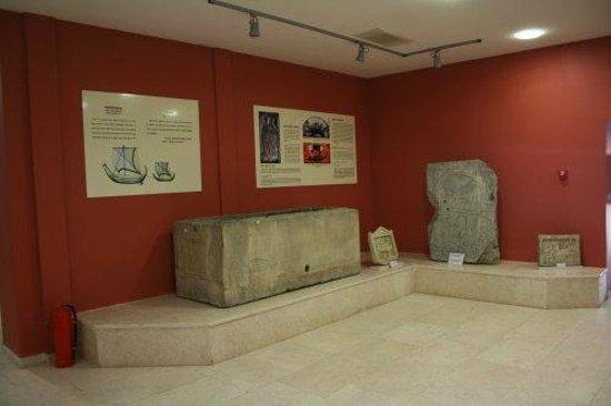 Inside the museum - Sinop Arkeoloji Müzesi, Sinop Resmi ...