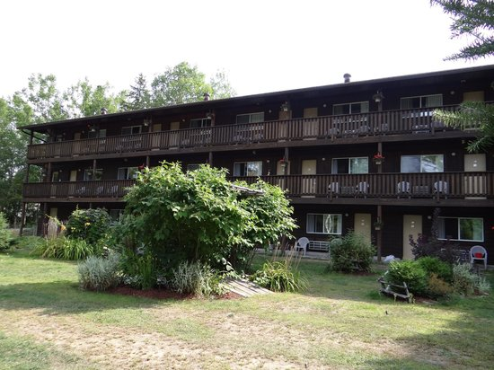 Spring Lake Resort Motel and Restaurant: Immeuble des chambres