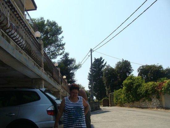 Villa Teresa: parking