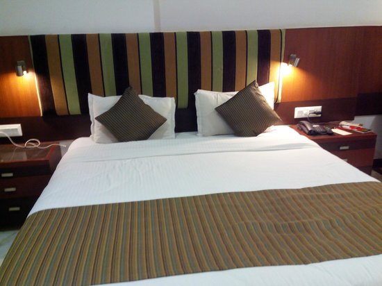 Amantra Comfort Hotel : Bed