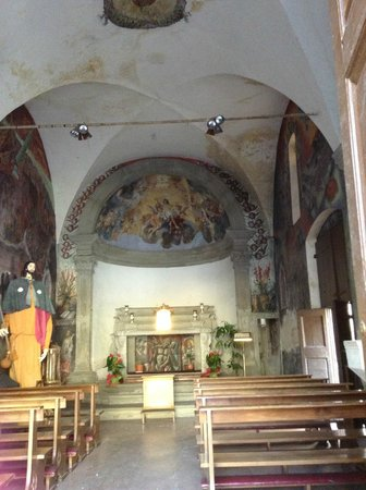 Walking To San Miniato: little church