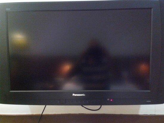 Amantra Comfort Hotel : Plasma tv