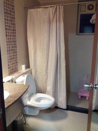 Amantra Comfort Hotel : Bath
