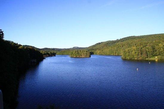 Hôte du Lac : La vue de la terrasse...