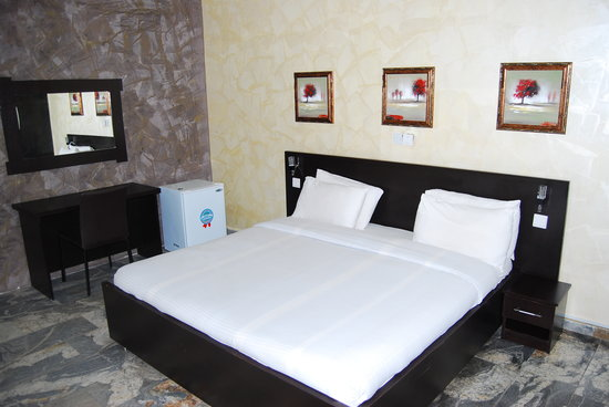 3J's Hotels: Executive Suite