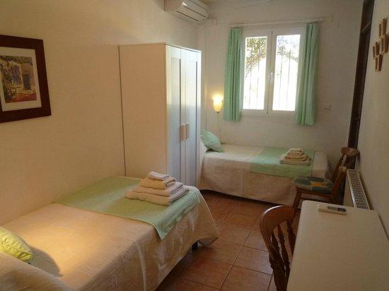 Las Palmeras: Twin bedroom