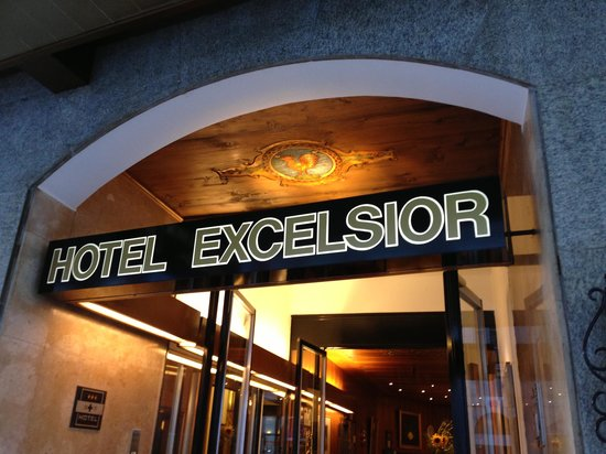 Excelsior: Front sign