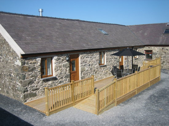 Hendre Barns: Delfryn - Self Catering Accommodation
