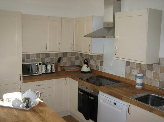 Hendre Barns: Delfryn - Open Plan Kitchen