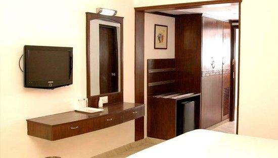 Hotel Mark's Grandeur: Room Entrance