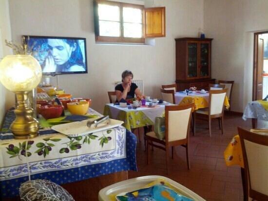 Casale dei Cento Acri: sala colazioni