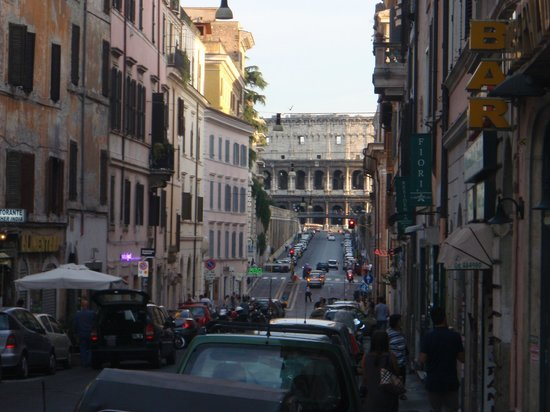Anfiteatro Flavio: View from Street