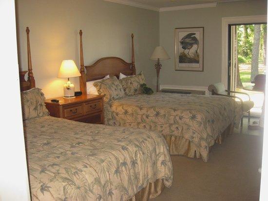 Refuge Inn: Bed Area In Our Bedroom