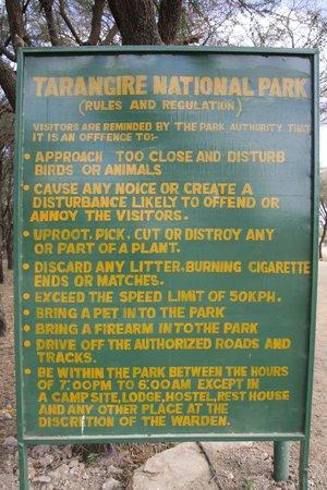 Tarangire Sopa Lodge : Entrance to National Park