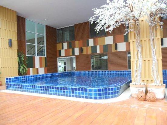 Prom Ratchada Residence & Spa: Бассейн