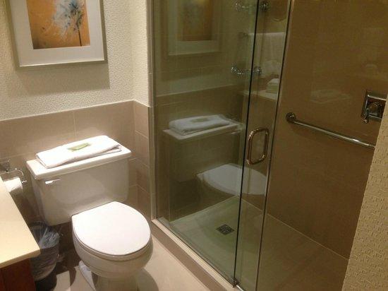 The Westin Calgary: Bathroom