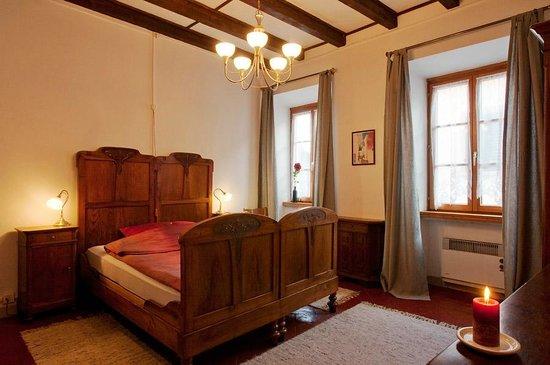 La Crisalide: Rubino bedroom