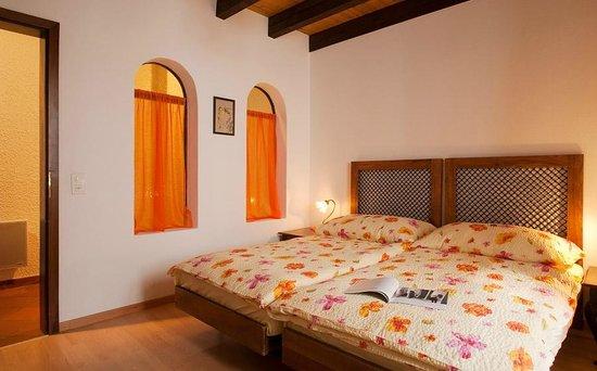 La Crisalide: Zaffiro bedroom