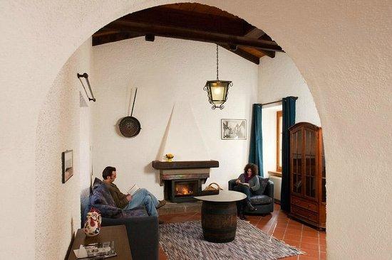 La Crisalide: Zaffiro living room