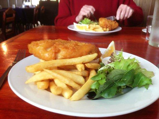 Denmark River Bistro: Snapper and chips
