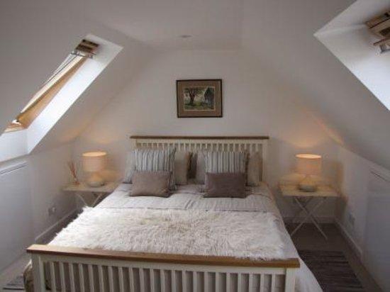 Barn Owl Accommodation: Owls Loft luxury king size bed