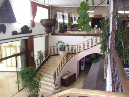 Hotel Cap Roig : vue intérieur hotel