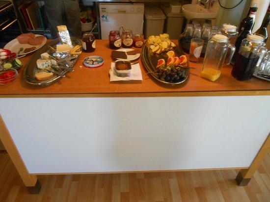Hotel Svedskegyden: Delicious breakfast spread