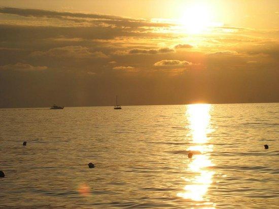 Cora Club Resort e Residence: mare e spiaggia tramonto