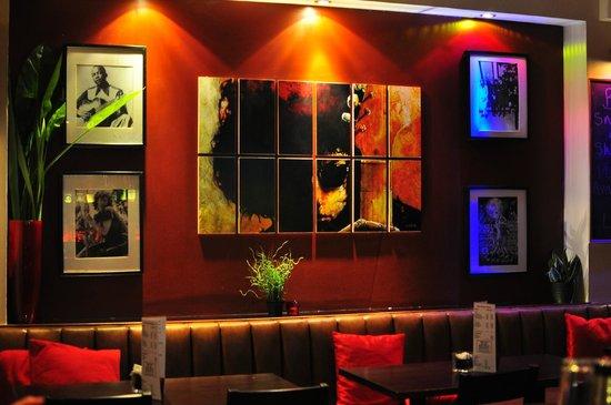 Bar Solo: Inside Solo