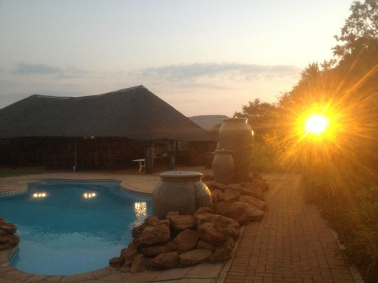 Magalies Manor: Lapa & swimming pool area