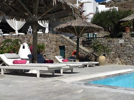 Apollonia Hotel & Resort: the poolside