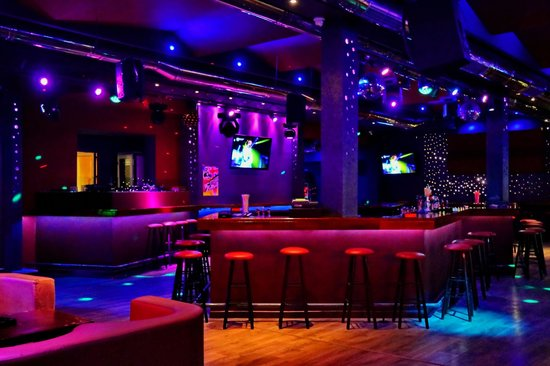 Dionysos Studios: Babylon bar