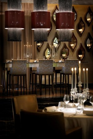 One&Only The Palm Dubai : STAY by Yannick Alléno, sharing table