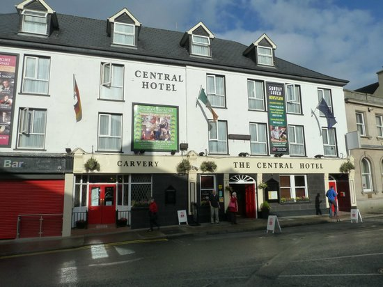 The Central Hotel - Donegal: The hotel front