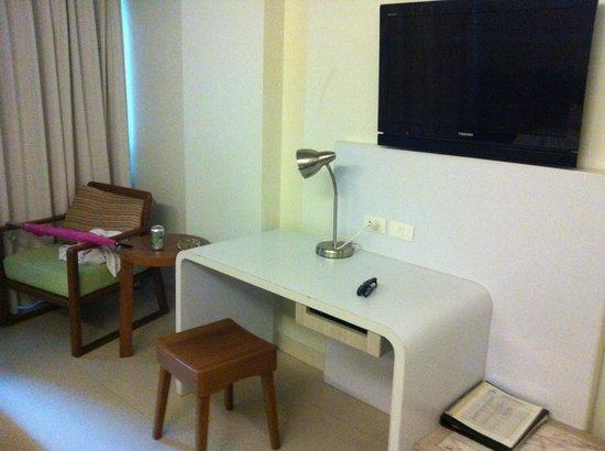 Sunshine Hotel & Residences : TV